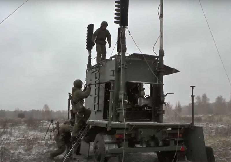 폴란드 언론 : 러시아는 동부 우크라이나를 점령하기 위해 Donbas에 오래된 레이더 기지를 배치했습니다.