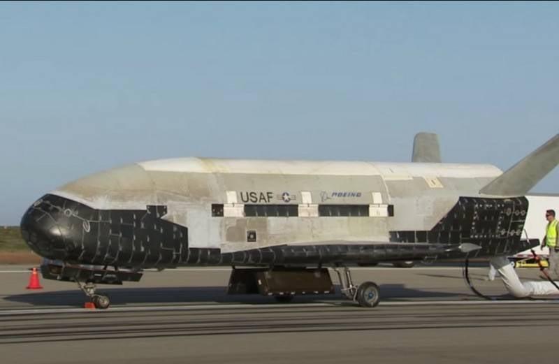 Lo shuttle riutilizzabile sviluppato in Russia è stato confrontato con l'americano X-37B