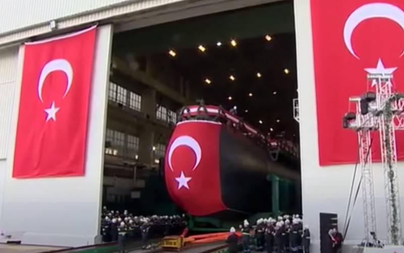 Первая турецкая подлодка «Piri Reis» с ВНЭУ проекта Тип-214TN вышла на этап испытаний