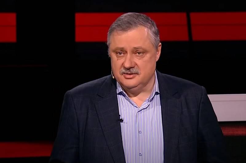 """NATO의 숨결을 무너 뜨리세요"": 러시아 정치 과학자가 일련의 핵 실험을 제안했습니다."