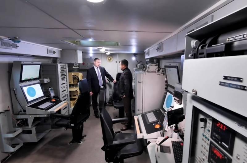 Российские военные показали РЛС «Монолит» изнутри