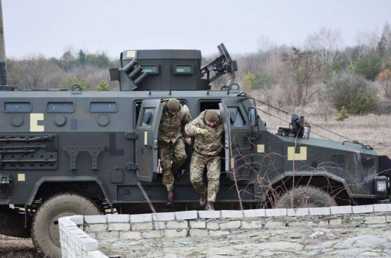 Украина оставила бронемашины «Дозор-Б» и «Казак-2» у границы с Крымом после проведения учений