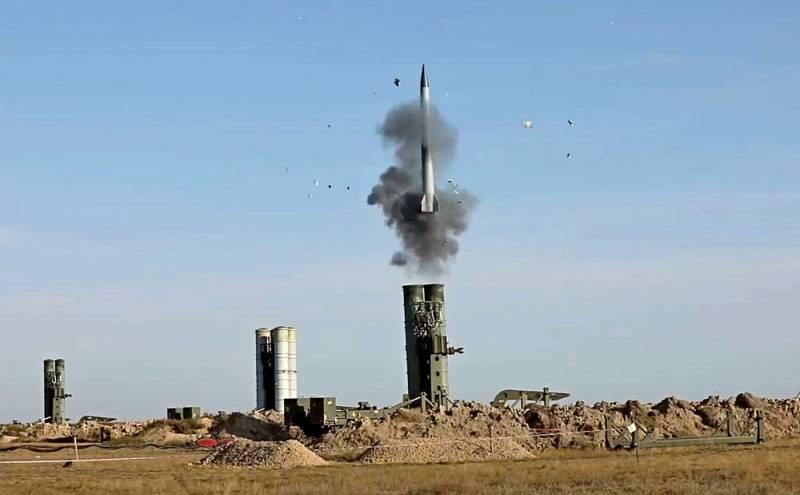 «Попадут под санкции»: Сенатор США призвал главу Пентагона отговорить Индию от покупки ЗРС С-400