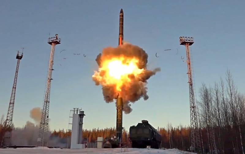 Россия не просто бензоколонка: на Западе пересчитали военные расходы РФ