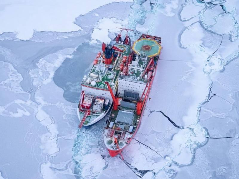 «Русские корабли были верными коллегами»: капитан немецкого ледокола оценил помощь РФ в Арктике