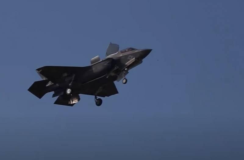 Истребитель F-35B в США поразил себя собственным осколочно-фугасным боеприпасом
