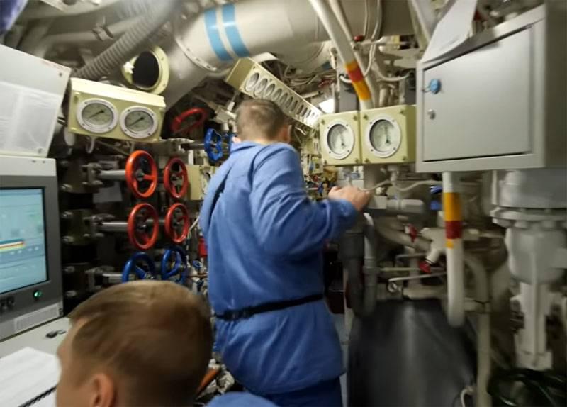 """Auf U-Booten, von einem potenziellen Feind als """"Schwarze Löcher"""" bezeichnet: ein U-Boot-Ausflug"""