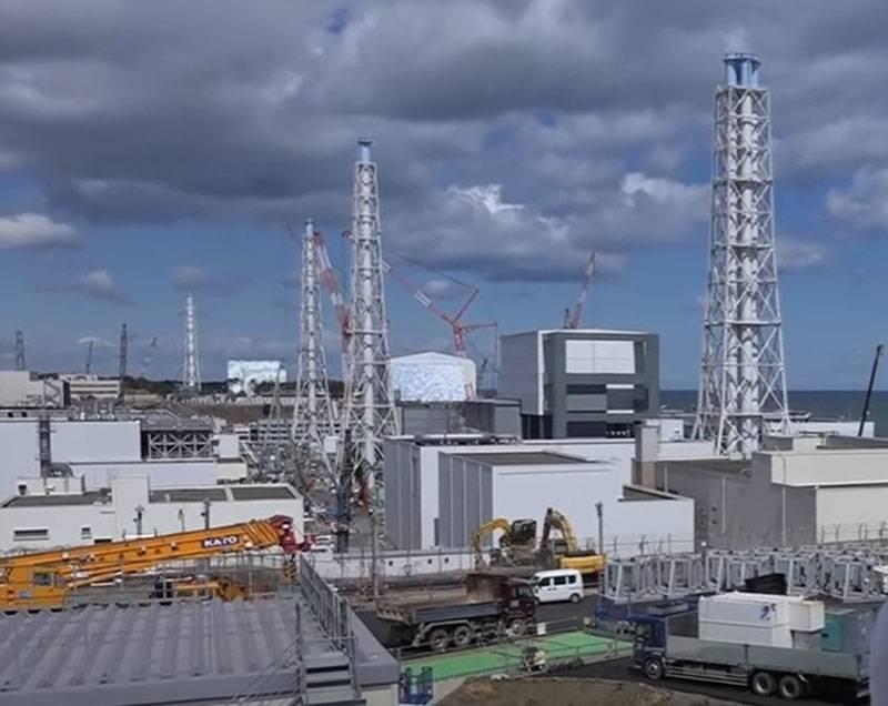 """ABD Dışişleri Bakanlığı, Japonya'nın hasar görmüş Fukuşima nükleer santralindeki suyu okyanusa boşaltma kararını """"ağırlıklı"""" olarak nitelendirdi."""