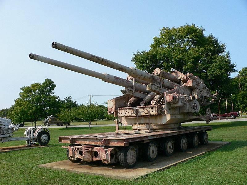 Use of captured German 105 and 128 mm anti-aircraft guns