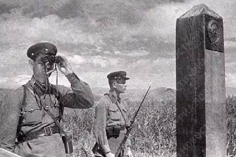Guarda de fronteira Boris Khorkov - recuou por toda a Ucrânia, mas chegou ao Elba