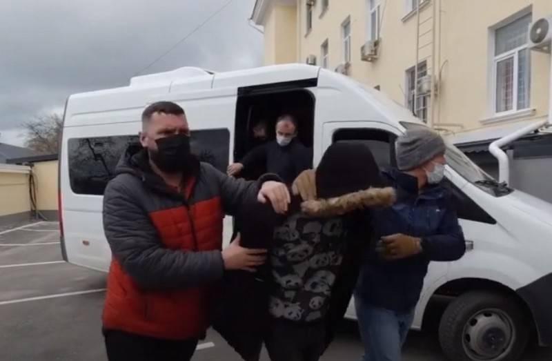 세 바스 토폴에서 우크라이나 정보를 위해 일하는 러시아인이 구금