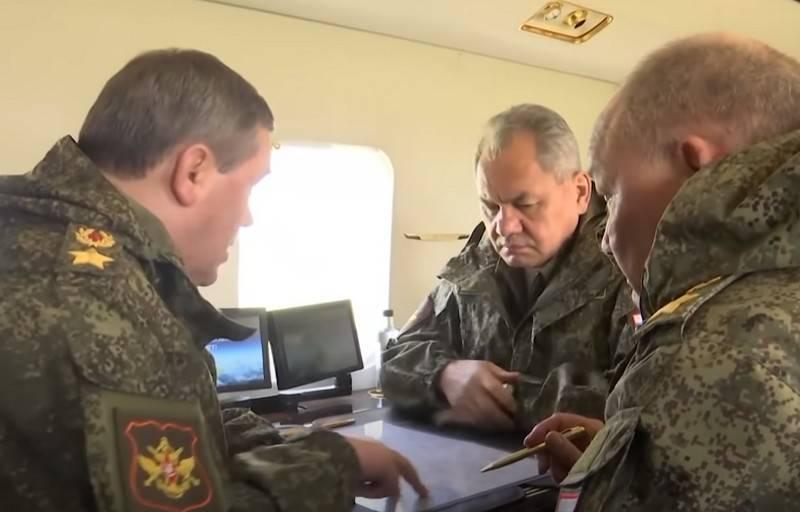 Shoigu absolvierte eine Kontrollkontrolle in zwei Militärbezirken