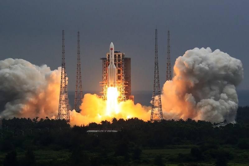 China puso en órbita el módulo base de su estación espacial
