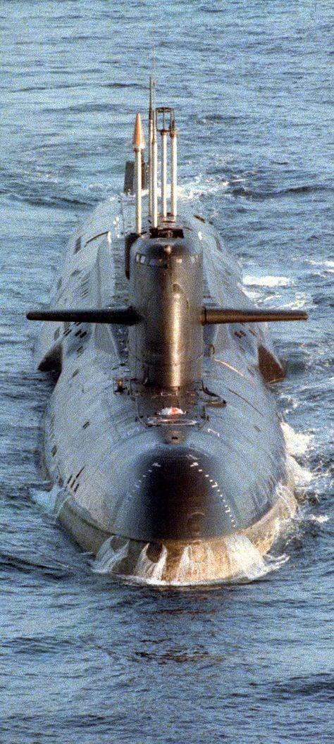 La morte di 55 sottomarini missilistici senza guerra o intervento