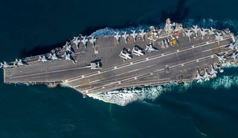 Проблемы с рельефом дна не подтвердились: авианосная группа ВМС США во главе с USS Dwight Eisenhower прошла через Суэцкий канал