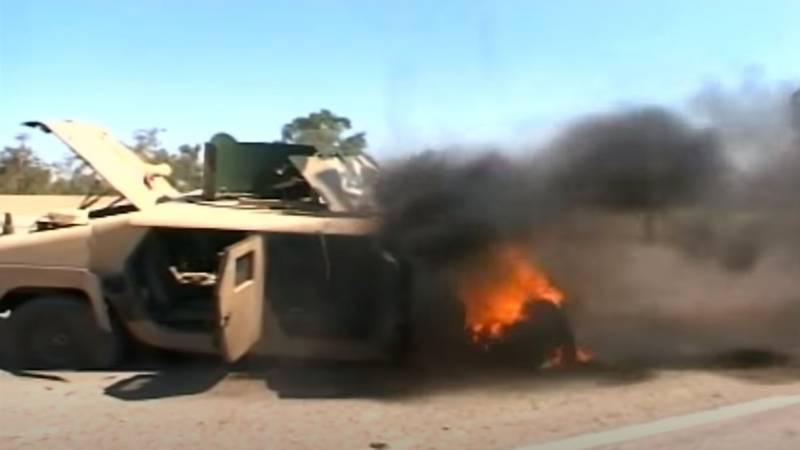 Американский броневик пытался расчистить путь: показано видео подрыва в Ираке в 2005 году