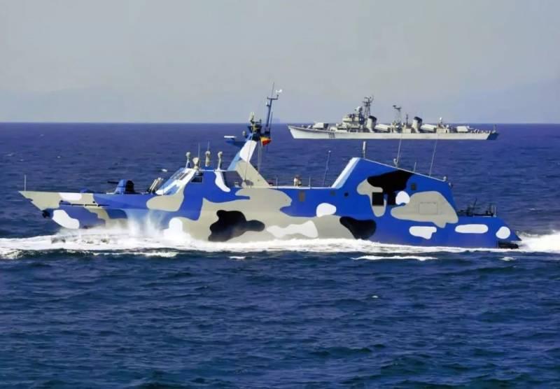 Ракетные катера-катамараны Китая Тип 022