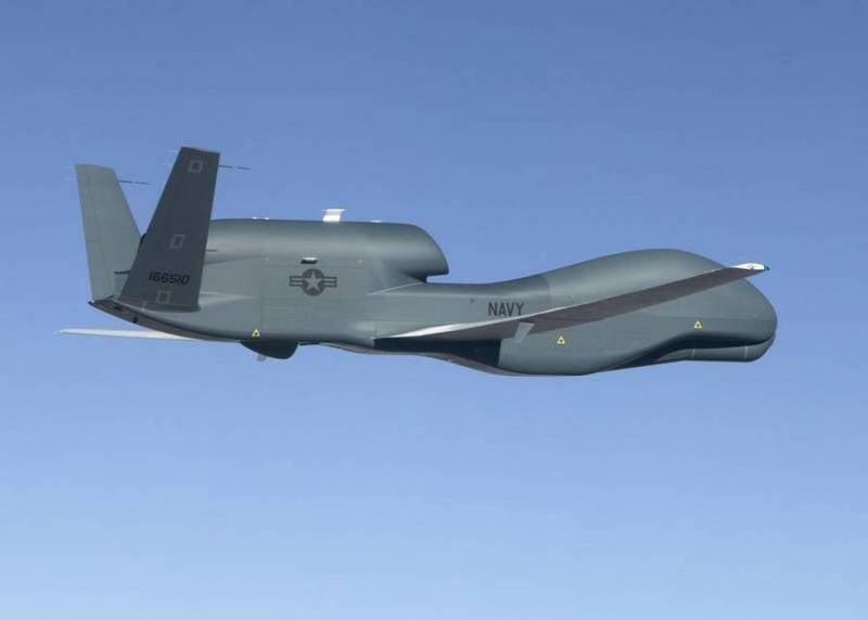 Американский беспилотник RQ-4B Global Hawk провёл разведку закрытого района у Крыма
