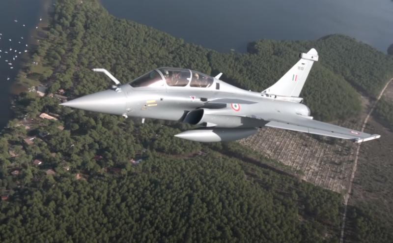 Индийские ВВС получили пятую партию французских истребителей Rafale