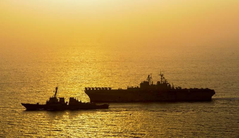 Вероятность нанесения массированного удара «Томагавками» по армейским корпусам ЛДНР по-прежнему высока. Неожиданный манёвр эсминцев «Donald Сook» и «Roosevelt»