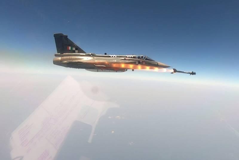 Индия интегрирует истребители Tejas с израильскими ракетами Python-5