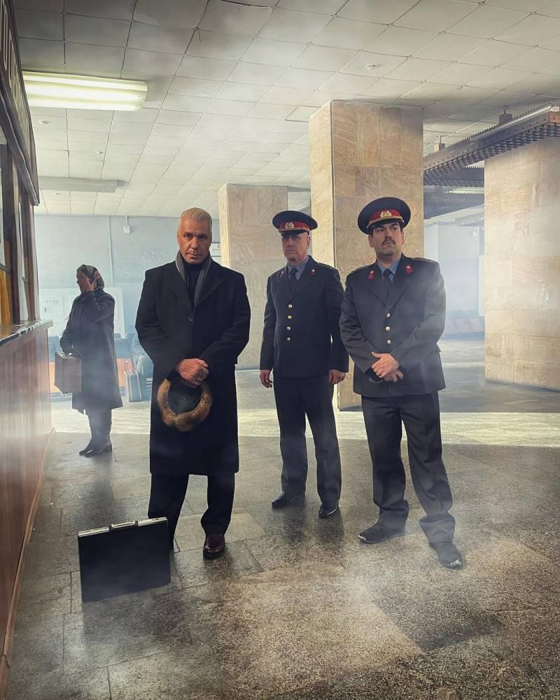 Тилль-истребитель: фронтмен Rammstein спел на русском «Любимый город»