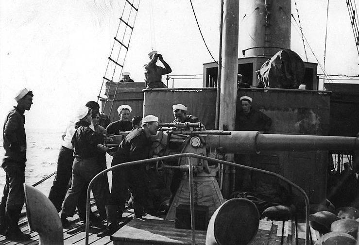 समुद्री कहानियाँ। इंग्लैंड एस्कॉर्ट की छह जीत