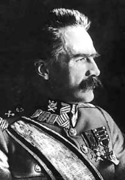 폴란드 언론은 독자들에게 히틀러가 필수 드 스키에게 소련에 대한 공동 공격을 제안한 방법을 상기 시켰습니다.