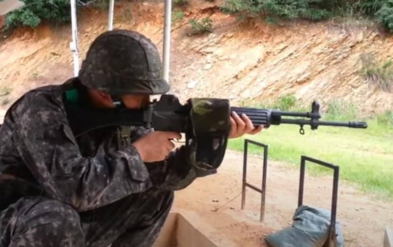 """""""हाइब्रिड AK-47 और M16"""": दक्षिण कोरियाई सेना की मुख्य राइफल के बारे में वियतनामी संस्करण"""