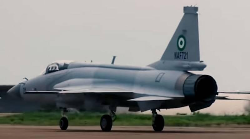 """""""Einfachheit und bewährter russischer Motor"""": Erste JF-17-Jäger nach Nigeria versetzt"""