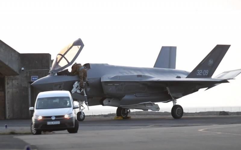 Страны Балтии от «российской угрозы» прикроют истребители пятого поколения F-35