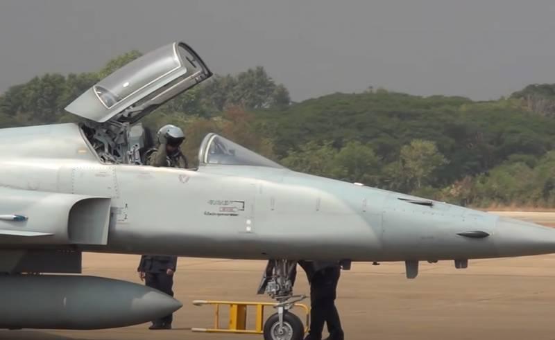 Упавший в прошлом году в море истребитель F-5E ВВС Тайваня поднят и передан военным и прокуратуре