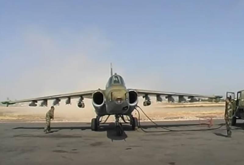 Показано видео нанесения удара штурмовиком Су-25 карабахских ВВС по азербайджанским военным в 2020 году