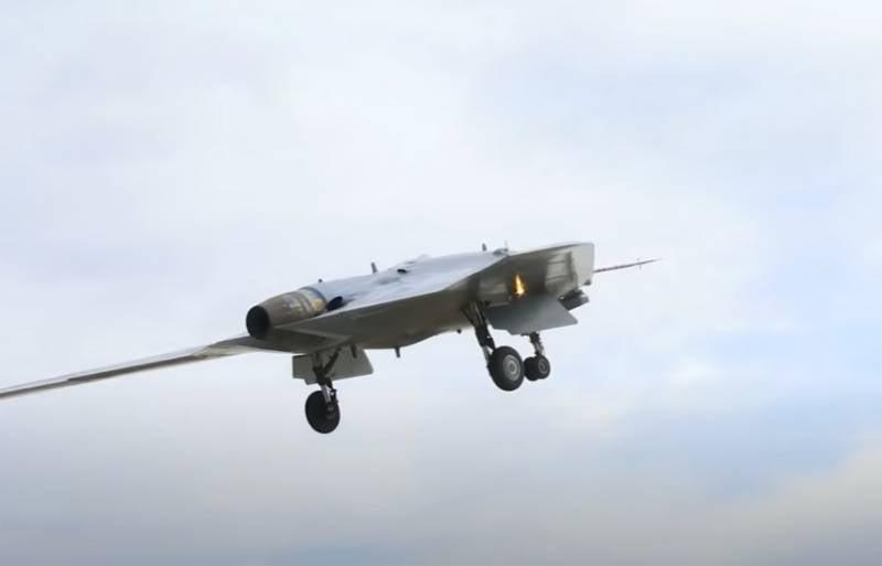 Эксперты: БПЛА «Охотник» может быть использован как перехватчик авиационного шлюза обмена данными между F-22 и F-35