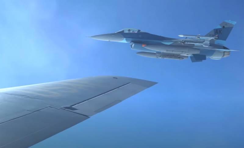 В ВМС США заявили о нехватке истребителей для имитации самолётов ВКС России