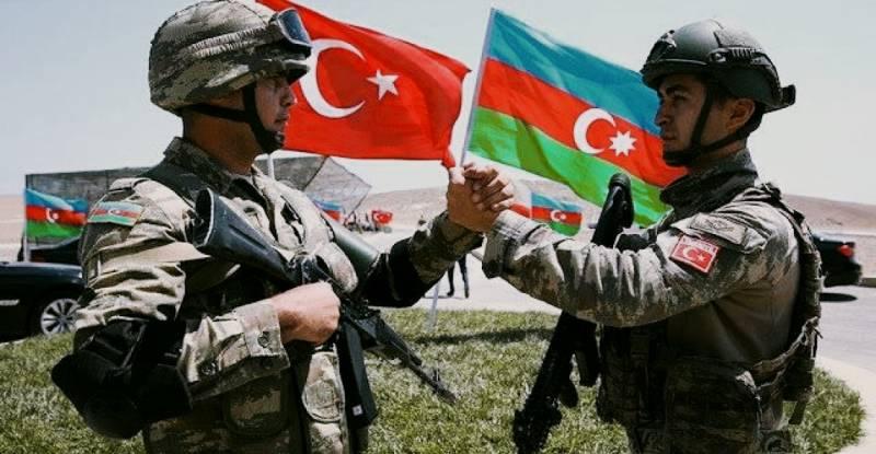 Стальная хватка мягкой силы: Турция в Азербайджане