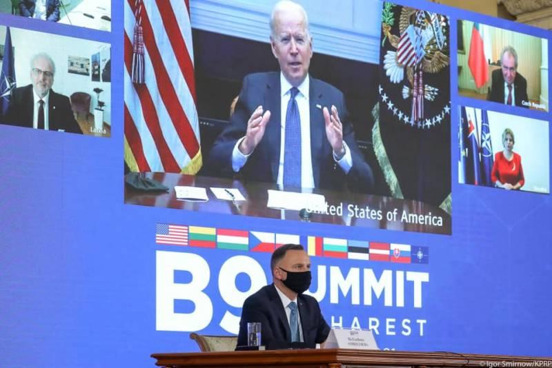 Президент Польши: Я горжусь тем, что в рамках учений НАТО осуществлена совместная высадка польских и американских десантников