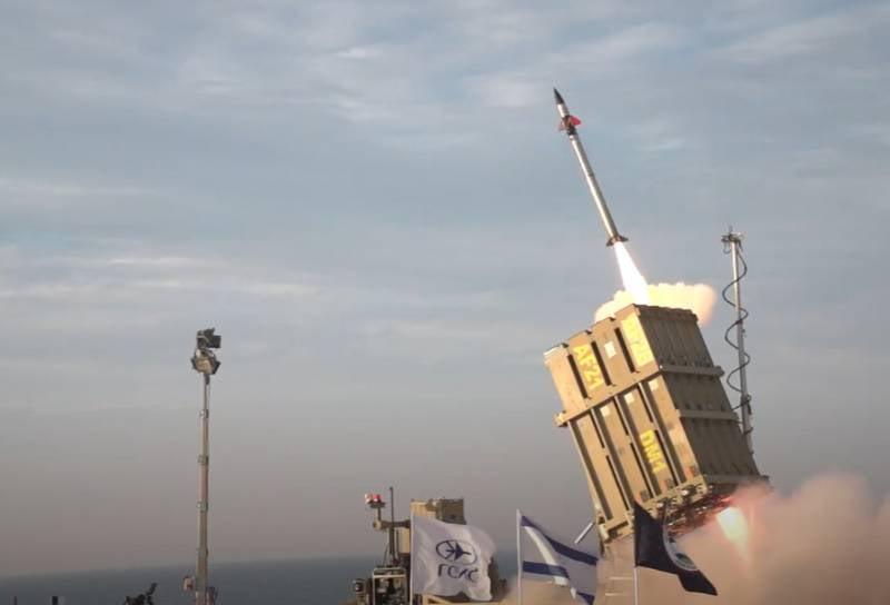 Ракеты взрываются в жилых кварталах израильского Ашкелона, система «Железный купол» все боеприпасы перехватить не в состоянии
