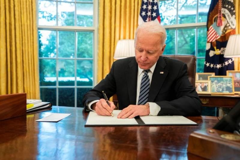 «Нация в глубокой опасности»: Экс-военные США усомнились в психическом состоянии Джо Байдена