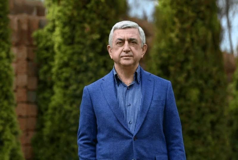 Экс-глава Армении назвал происходящее в стране разрушением государства
