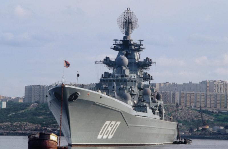 Станет мощным ракетным кораблём: Командующий СФ рассказал о ТАРКР Адмирал Нахимов