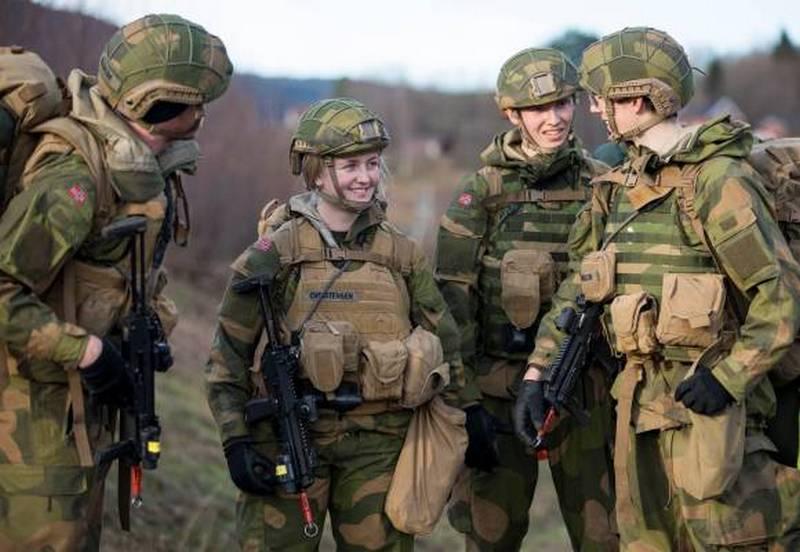«Общие казармы сближают мужчин и женщин»: итоги эксперимента в норвежской армии
