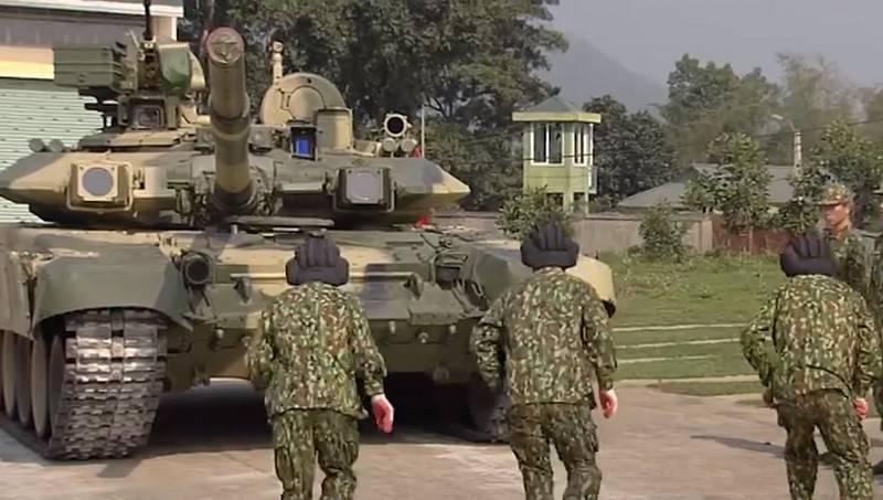 «Сдерживание стратегическими ракетами»: вьетнамская армия раскрыла планы военной реформы