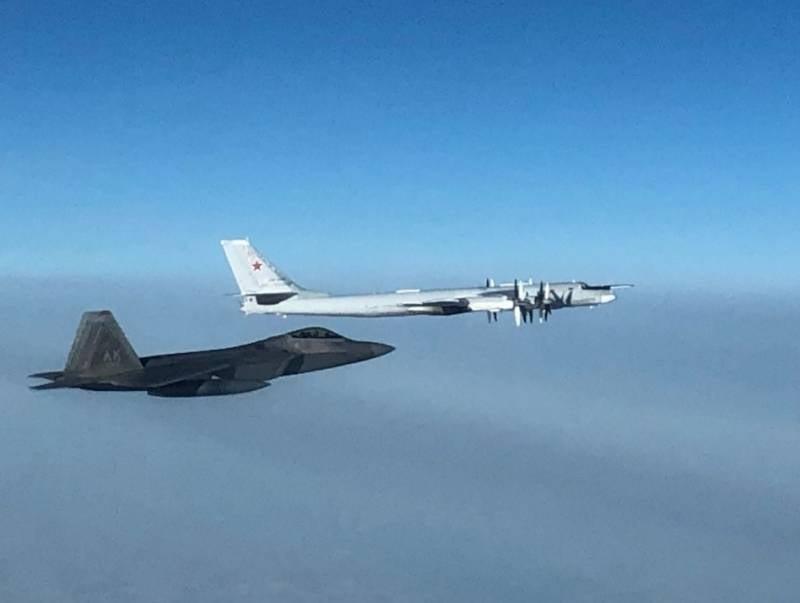 ВВС США пожаловались на российские стратегические ракетоносцы, летающие рядом с Аляской