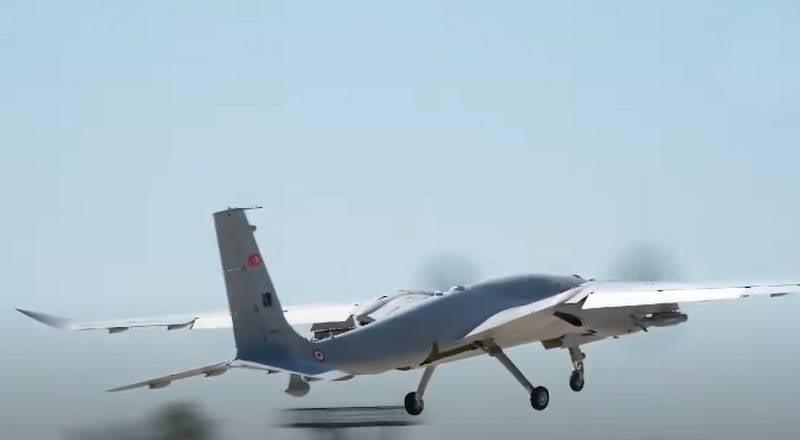 """""""I droni d'attacco non sono una panacea"""": osservatore turco sulla necessità di un lavoro congiunto dei sistemi d'arma"""