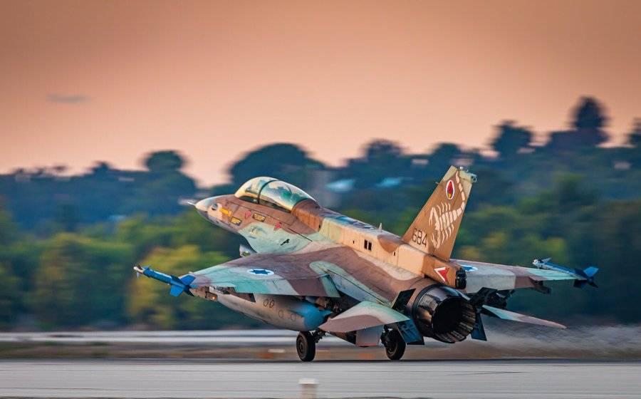В ответ на запуски шаров смерти Израиль нанес мощный авиаудар по сектору Газа