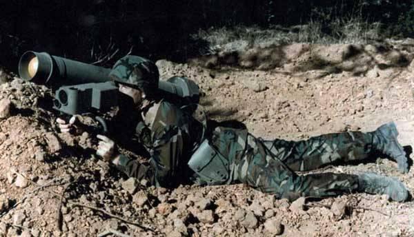 Вражеский пехотинец с противотанковым ракетным комплексом «Джавелин»