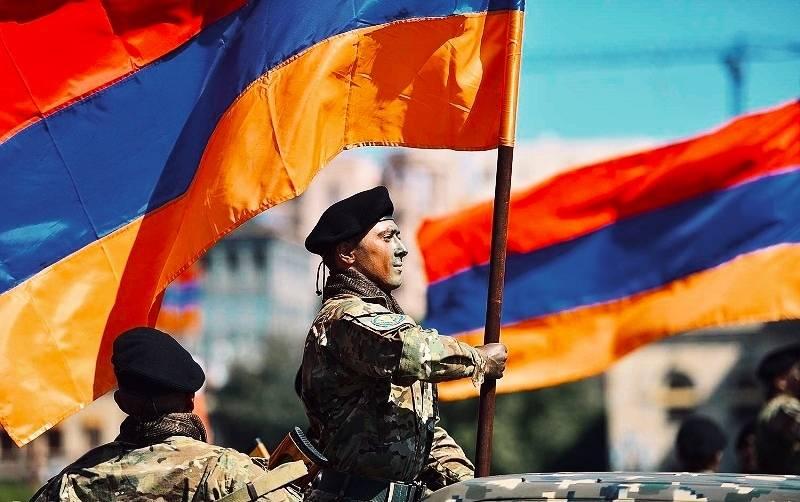 """""""亚美尼亚陷阱""""或莫斯科在外高加索的外交政策失败"""