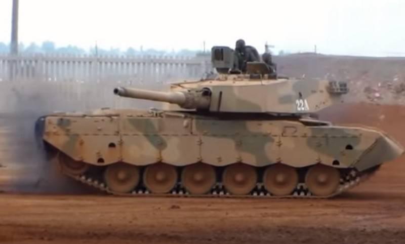 古巴技术人员掌握了Olifant坦克的修理