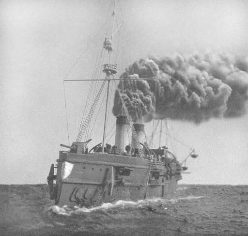 船の暴動! ロシア帝国海軍の船員の蜂起